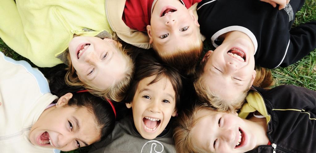 兒童隱適美8歲起可矯正 5大亂牙習慣換牙前趕緊戒掉